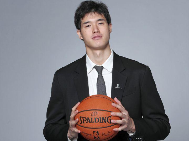 渡邊雄太のNBAデビューは日本バスケ新時代の序章にすぎない『雄太に負けるな!』