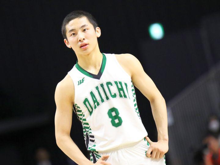 優勝を決めた直後に連覇へと思いを馳せる河村勇輝「正月も帰省せずにバスケです」