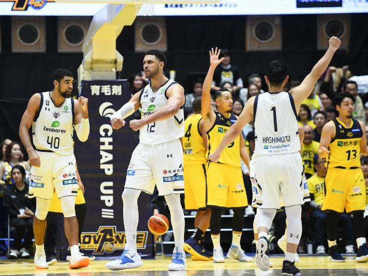 ロシターのリーグ新記録52得点も及ばず、再延長の末に栃木が琉球に競り負ける