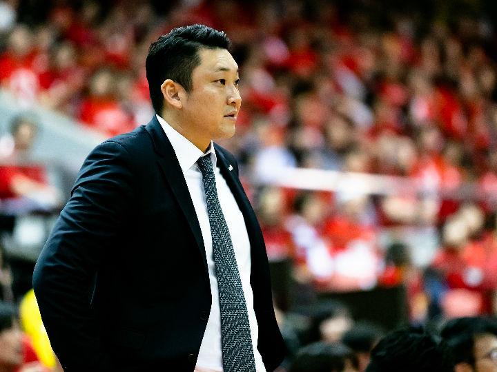 栃木ブレックスが安齋竜三ヘッドコーチの続投を発表「日々成長」をして目標達成へ