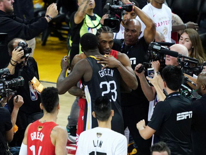 NBAファイナルで敗れたウォリアーズ、新王者ラプターズの初優勝を一面広告で祝福