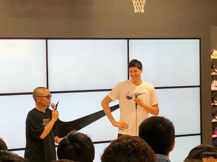 GALLERY2渋谷店のイベントに参加した渡邊雄太「夢に向かって一生懸命努力を」