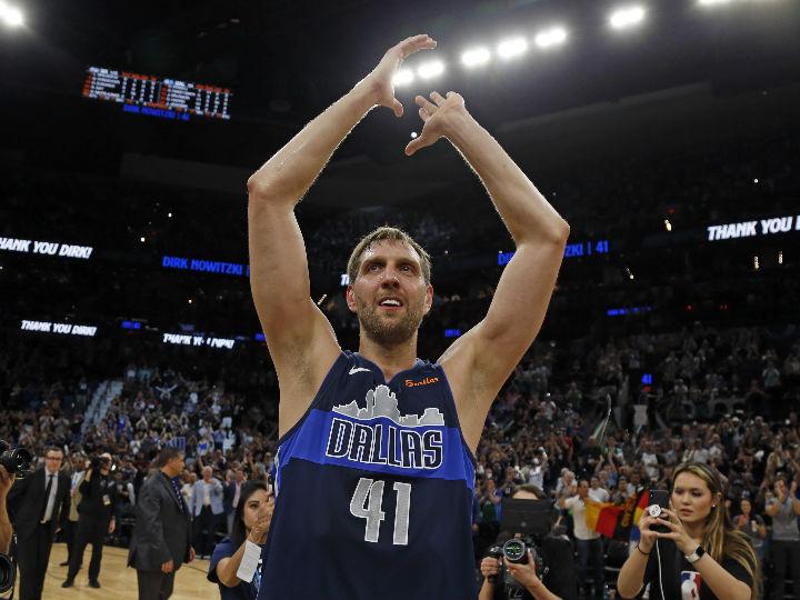 『ノビツキー通り』がついに誕生、「この名誉は、バスケットボールを超えたもの」