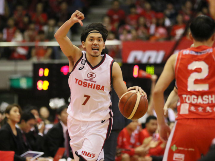 川崎ブレイブサンダース、千葉のお株を奪う『ディフェンスから走るバスケ』で快勝