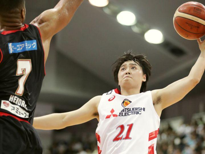 笹山貴哉が21得点&見事なゲームメークを見せた名古屋D、大阪の追撃をかわし勝利
