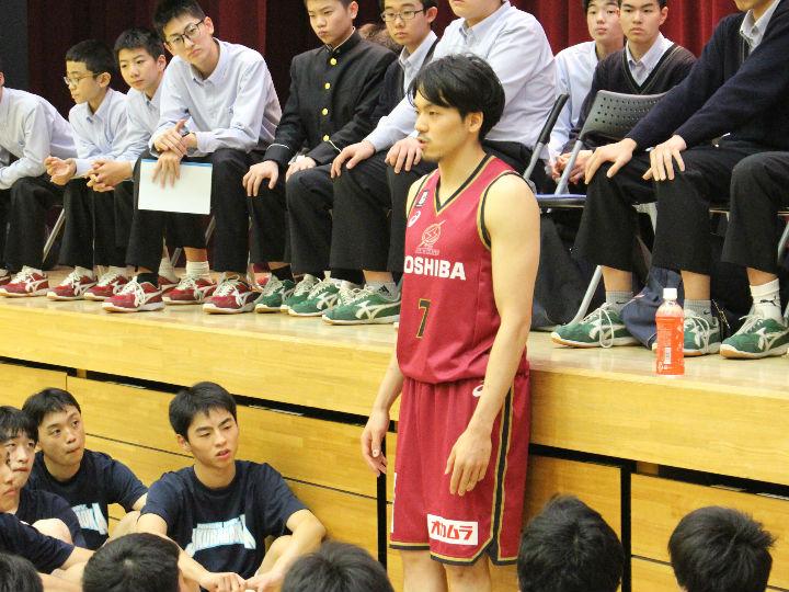 篠山竜青から学生プレーヤーへ「全盛期の八村塁と一緒に戦うのは、君たちの世代」