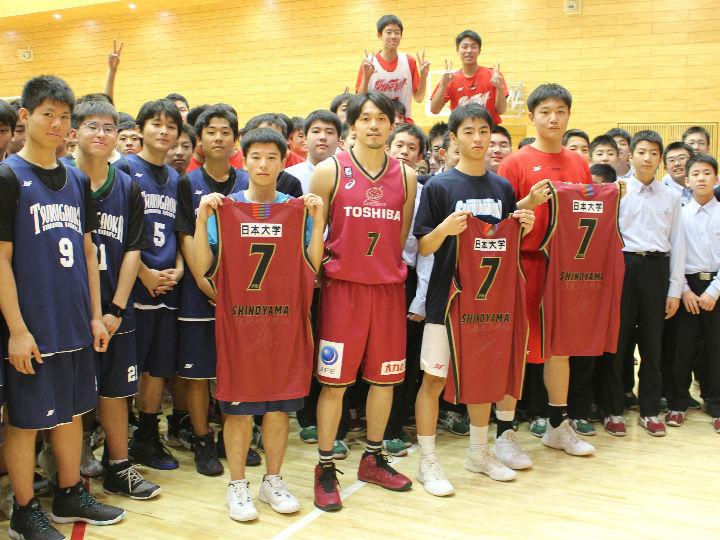 川崎ブレイブサンダースの篠山竜青、高校生を対象としたバスケクリニックを実施