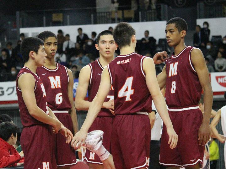 先発の3人が1年生、『若い』明成が巧みなバスケットで県立和歌山工業を撃破