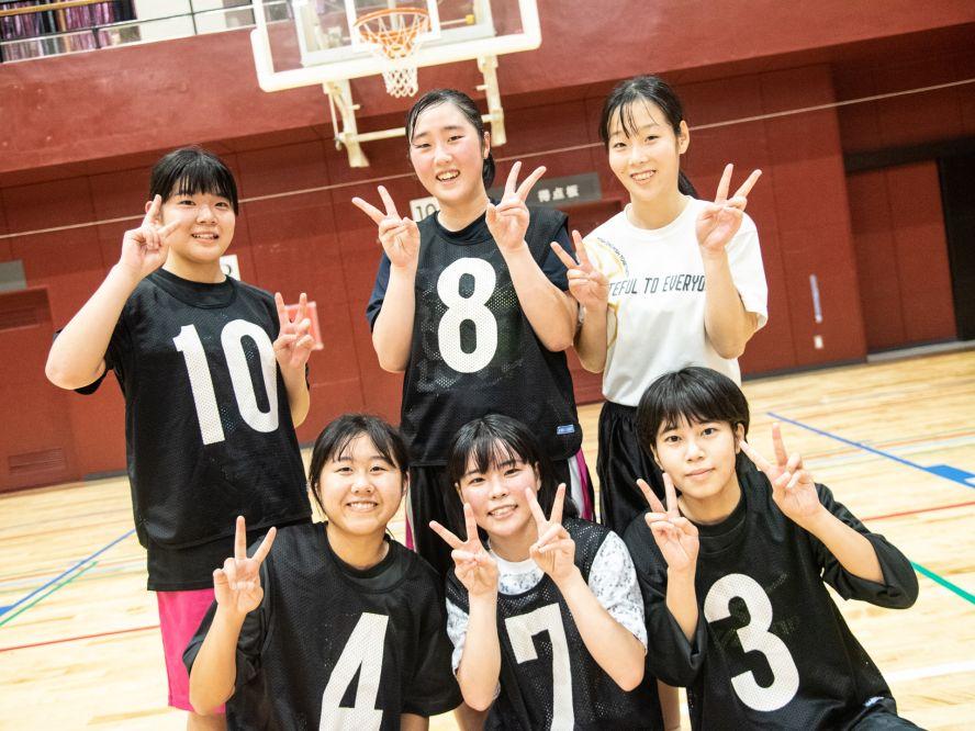 ひた走る!昭和学園高校バスケ部[vol.6]中学生に完敗、6選手中5人が足をつる悲劇を乗り越え「バスケが好き!」