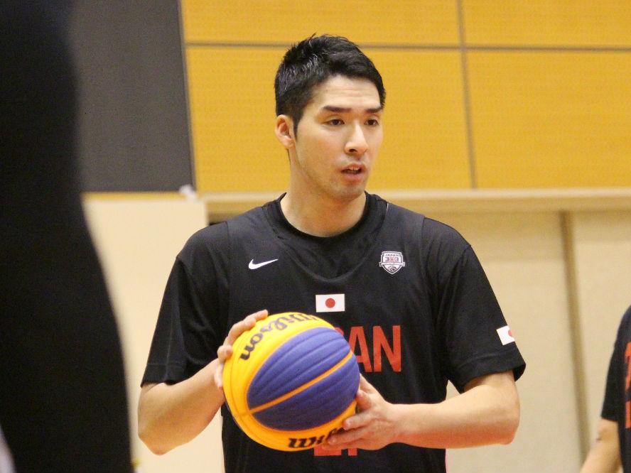オリンピックへチーム強化を進める3x3日本代表、Bリーガーの中で存在感を放つ社会人プレーヤー小松昌弘