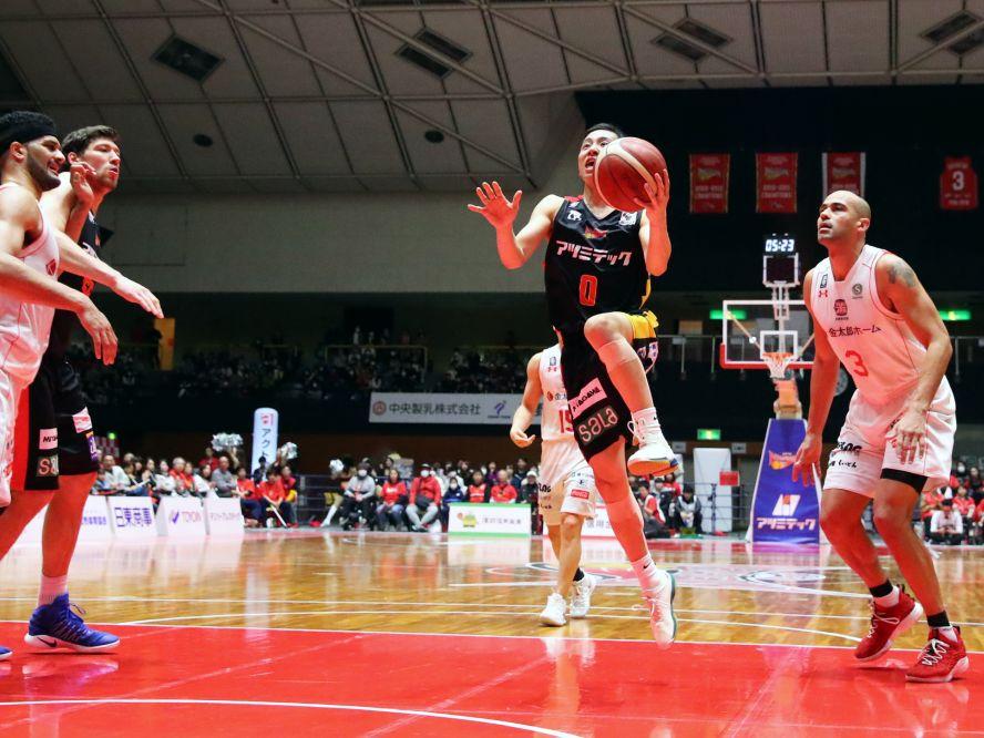 高校生Bリーガー河村勇輝がデビュー2戦目で21得点と大活躍、それでもチームは完敗を喫して課題も噴出