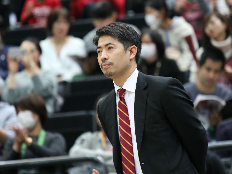 成長を続ける川崎ブレイブサンダースと若き指揮官、佐藤賢次「見る人の心を動かせる試合を目指して」