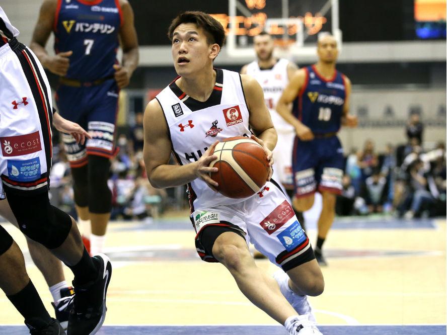 大阪エヴェッサの伊藤達哉が左手骨折で全治3、4カ月の長期戦線離脱「もっと強くなって必ず戻ってくる」