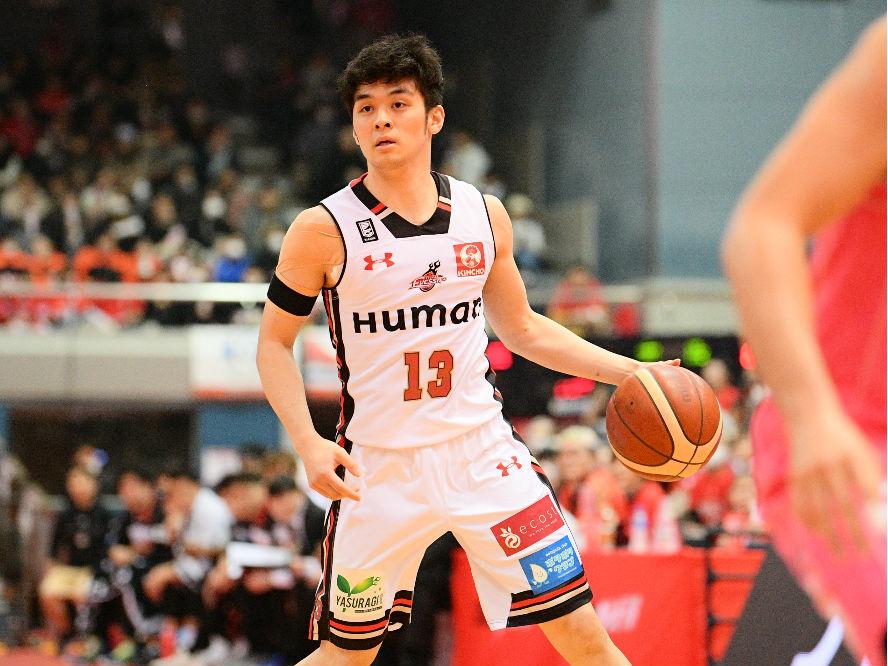 地区優勝を目指す大阪エヴェッサの指令塔、中村浩陸の覚悟「チームを勝たせられる選手になる」