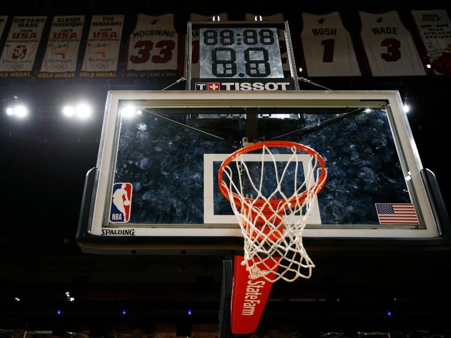 新型コロナウイルスの感染拡大が止まらず、NBAはシーズン再開の断念も視野に入れて検討中