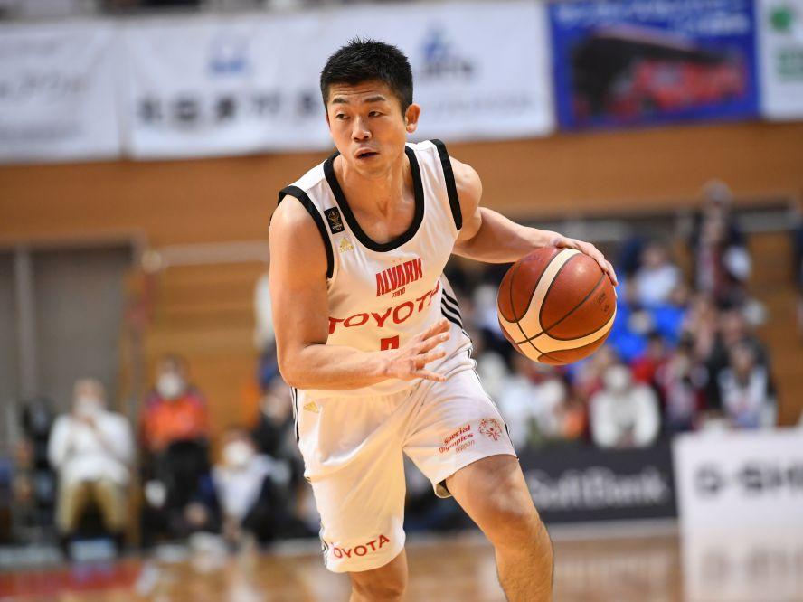 アルバルク東京がシーズン終了の挨拶、正中岳城キャプテン「プロセスこそがなによりも尊い」