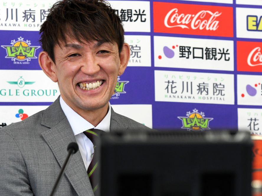 レバンガ北海道の『レジェンド』折茂武彦が引退会見「ただ一つだけ後悔していないのは、北海道に来たこと」