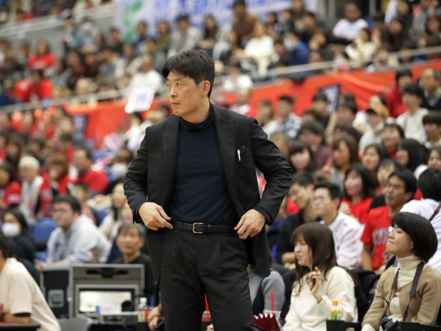 チャンピオンシップ進出を狙う大阪エヴェッサ、病気療養をしていた天日謙作ヘッドコーチが今日から現場復帰