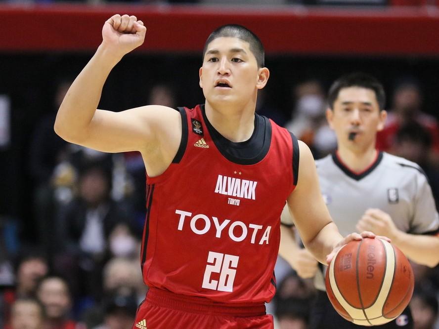 アルバルク東京が司令塔の津山尚大と契約継続、シーズン途中に加入し13試合に出場