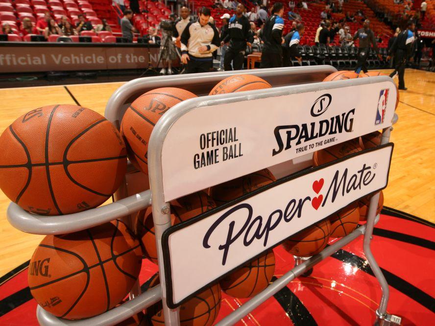 NBA理事会でプレーオフ進出の可能性がある22チームによるシーズン再開案が承認