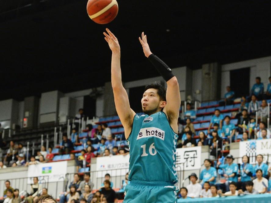 京都ハンナリーズ、キャリアハイのシーズンを過ごした3ポイントシュート王の松井啓十郎と契約継続