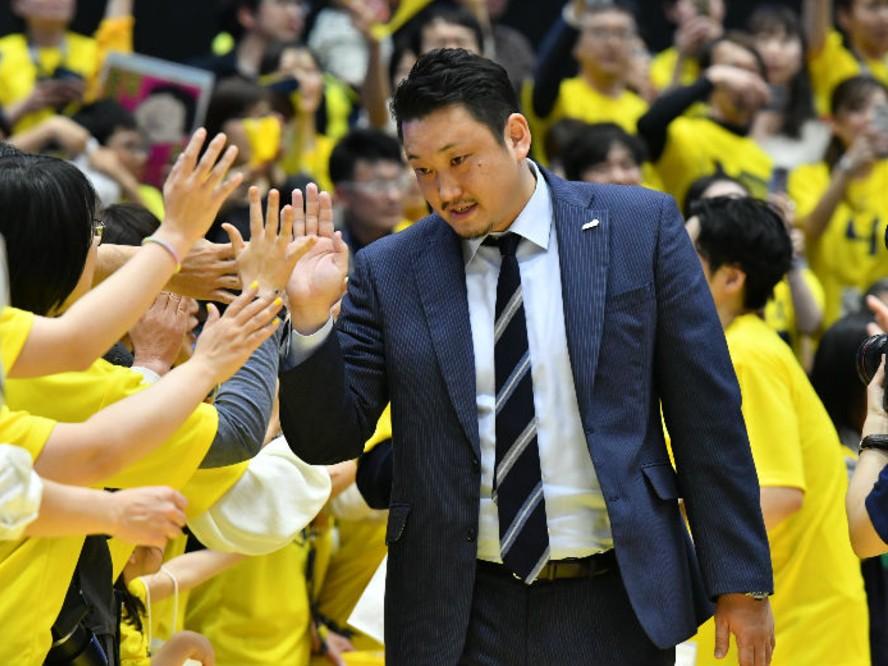 宇都宮ブレックス、安齋竜三ヘッドコーチが続投「満員のブレックスアリーナでみなさんと共に戦えることを願っています」