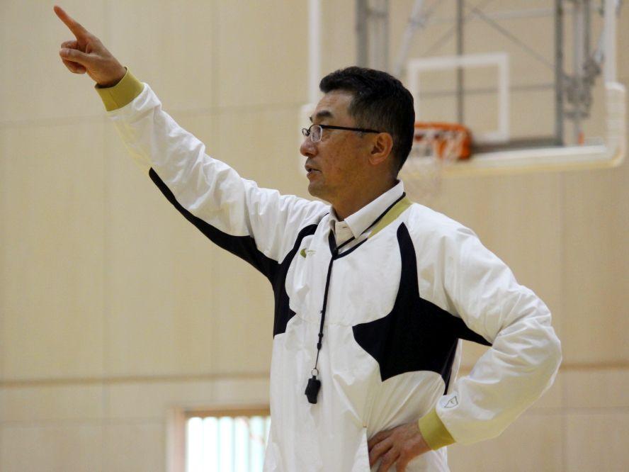 開志国際の富樫英樹コーチが語るバスケ愛と選手育成(後編)「人生は負けても倒れても立ち上がることに尽きる」