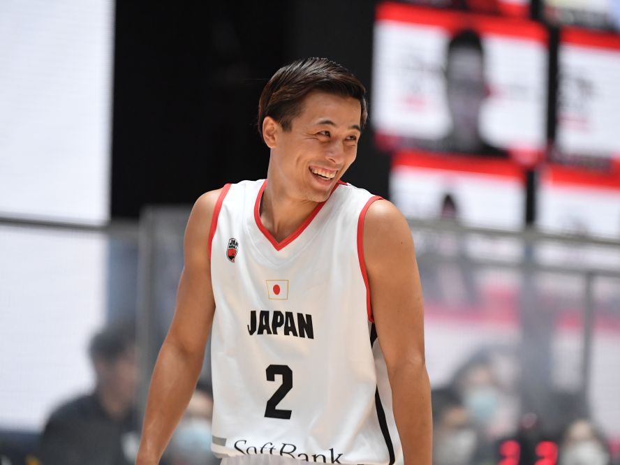 バスケ男子日本代表の富樫勇樹は篠山竜青との連係を生かしSHOWCASEに勝利、「久しぶりで楽しかった」と笑み