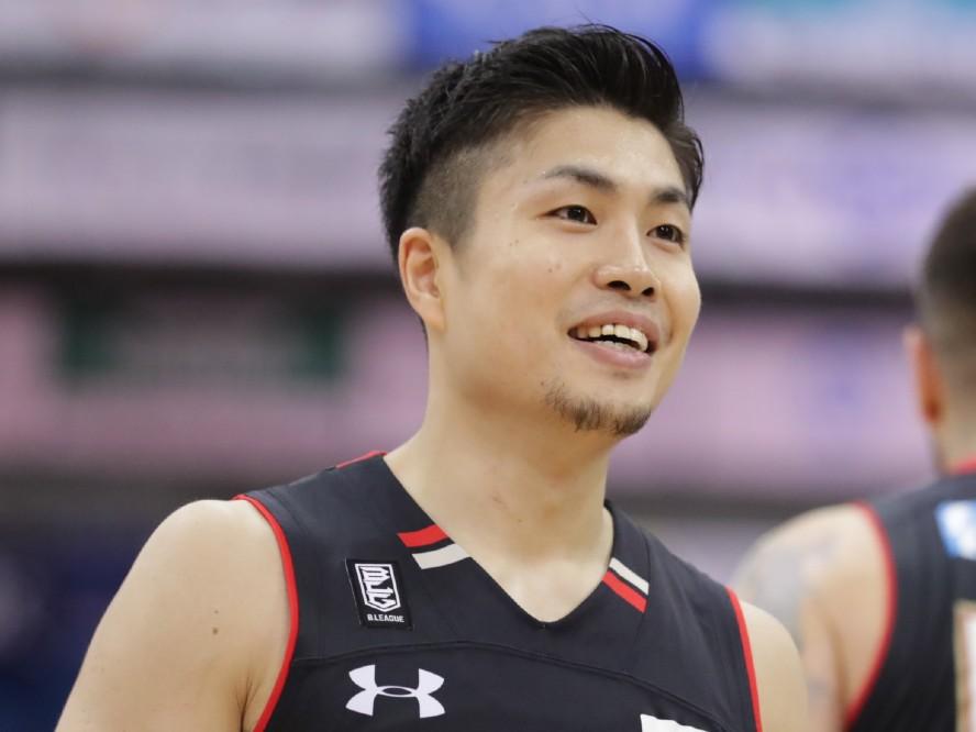 大阪育ちの新キャプテン、合田怜はエヴェッサを象徴する存在へ「アツアツのガッツあふれるプレーを」