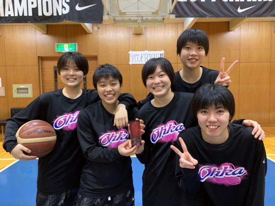 39本の大記録で『全国学生フリースローチャレンジ』を制した桜花学園に優勝トロフィーを贈呈!