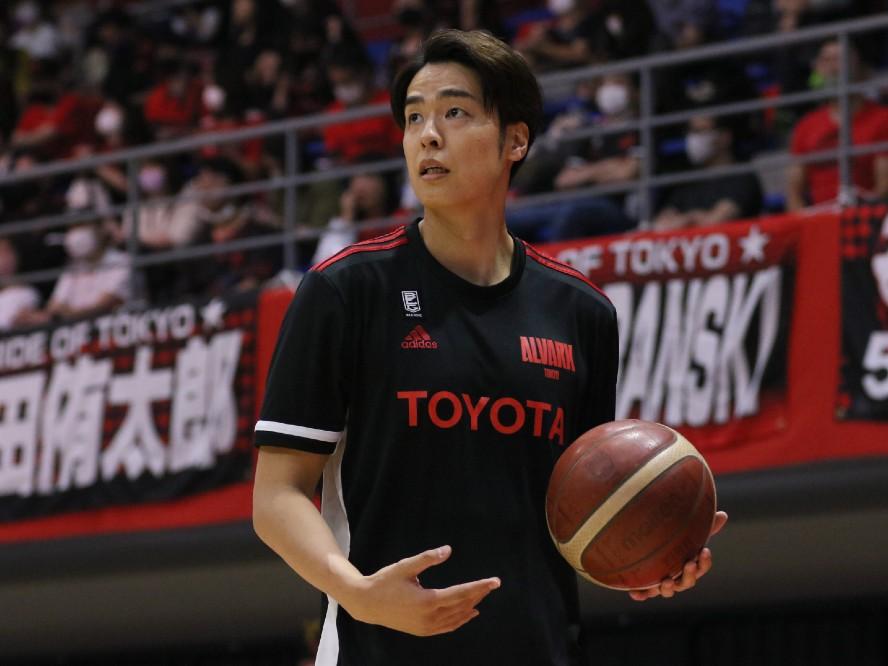 A東京のインサイドを守る竹内譲次、外国籍選手が揃う川崎相手に奮闘「自分の能力を示す機会」