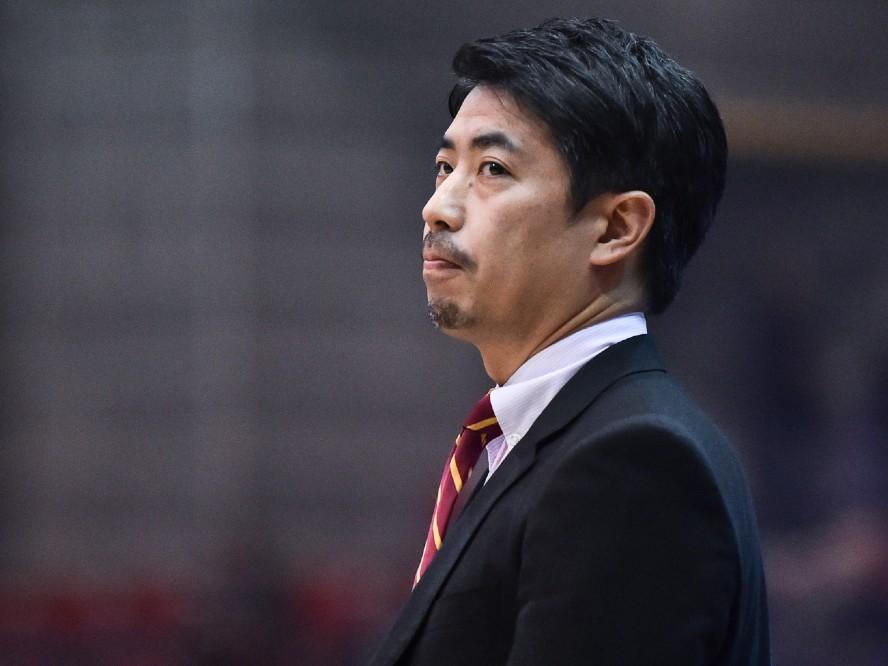 川崎ブレイブサンダースの指揮官、佐藤賢次は2年目の開幕へ「どれだけできるのか、不安より楽しみ」