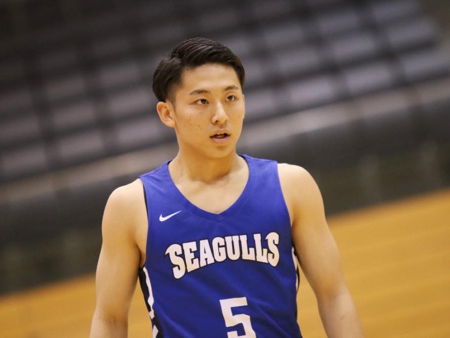 大学生プレーヤーとして初のタイトル獲得に貢献した河村勇輝、すでに見据えるはインカレを制しての大学日本一!