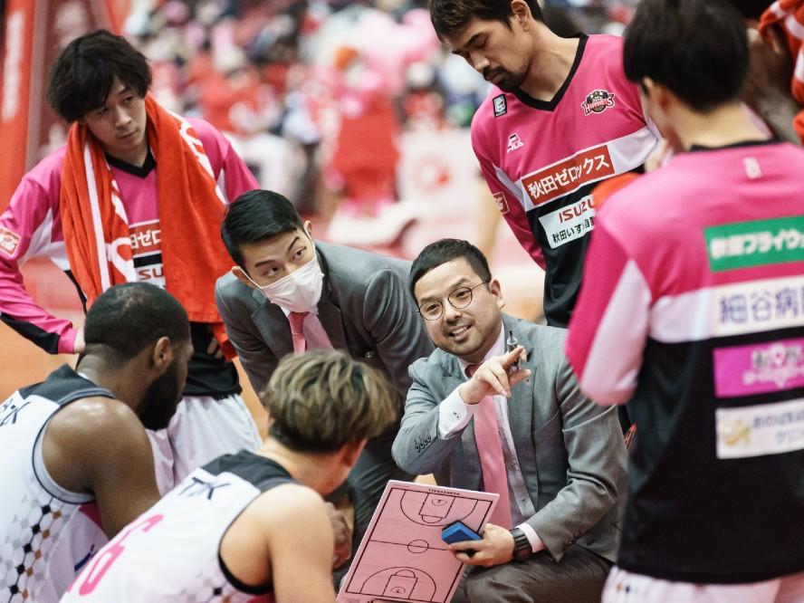 秋田ノーザンハピネッツを率いる前田顕蔵ヘッドコーチ「可能性にフォーカスして自信をつけていきたい」