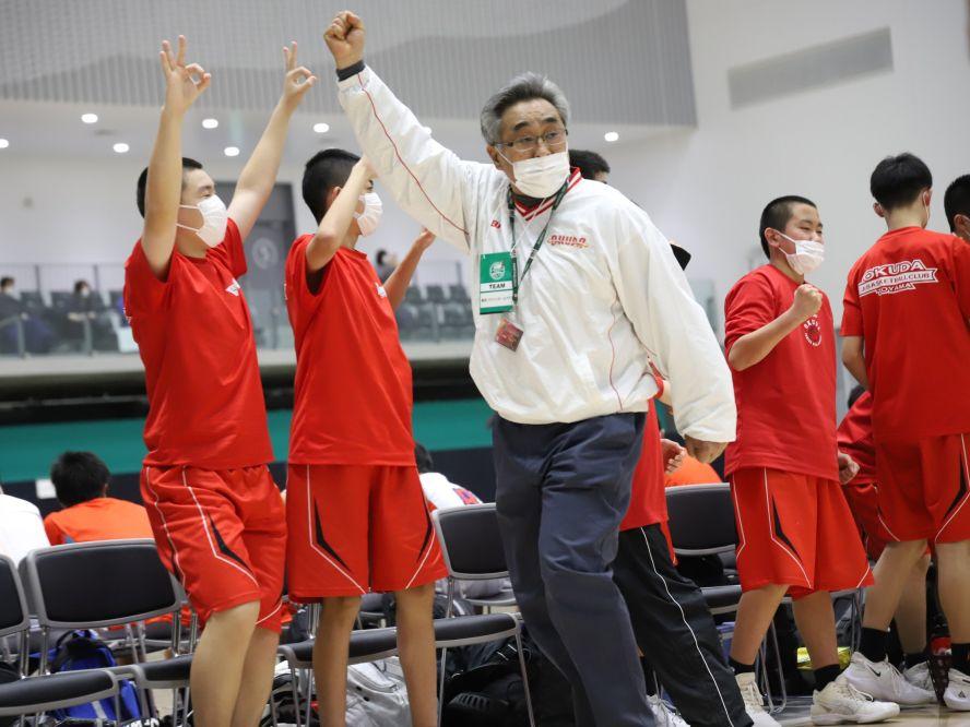 奥田バスケットボールクラブでU15日本一を目指す坂本穣治コーチ「バスケットをやって良かったという試合をしたい」