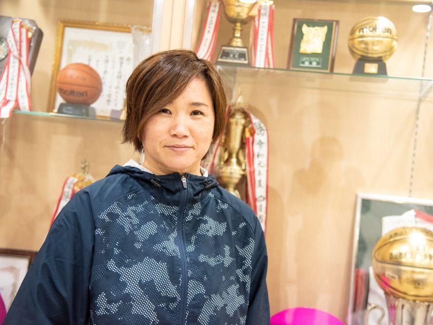 Jr.ウインターカップの女子を制したメリノール学院、稲垣愛コーチ(前編)「勝てるっていうか、勝たせてあげたい」