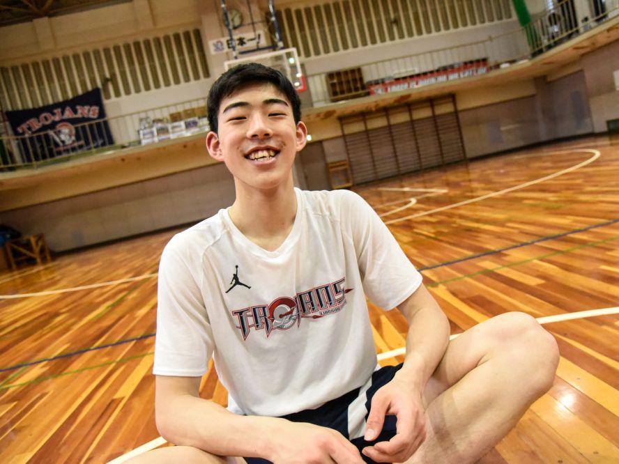 福岡大学附属大濠に加わった超大物ルーキーの川島悠翔「渡邉雄太選手、八村塁選手といつかマッチアップしたい」