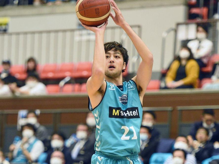 若きヘッドコーチの信頼に応えて攻守に奮闘した満田丈太郎、2021-22シーズンの契約合意「はんニャリン今年もよろしく!」