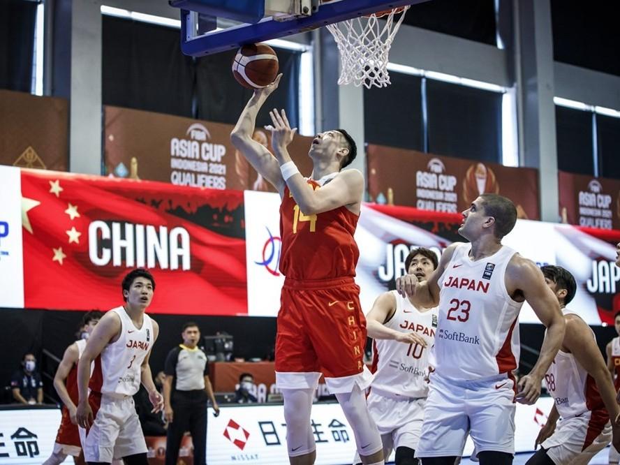アジアカップ予選で中国と対戦したバスケ日本代表、攻守両面で強度の高いプレーに圧倒されて57-66で完敗を喫する