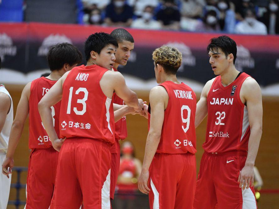 復調したイランにねじ伏せられた国際強化試合、バスケ日本代表は接戦から抜け出す底力を発揮できず67-72で敗れる