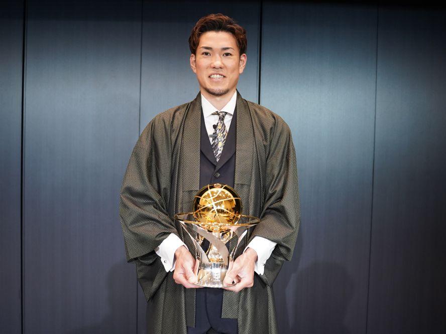 シーホース三河の金丸晃輔、Bリーグ2020-21シーズンの最優秀選手賞を初受賞「いろいろな方の支えがあって受賞できた」