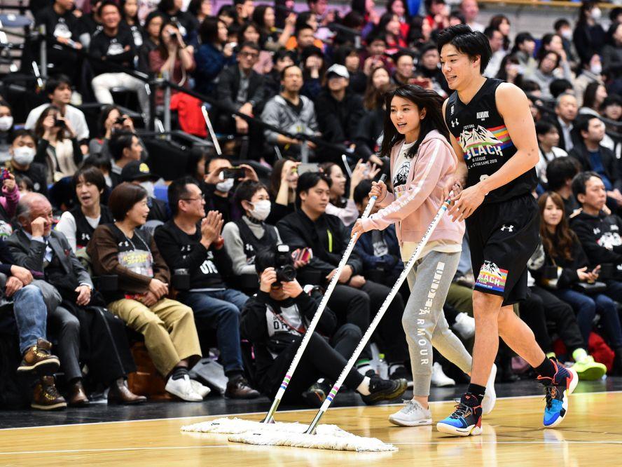 『勝つことしか知らない男』馬場雄大がオーストラリアリーグ優勝に続いて森カンナとの結婚を報告「とても幸せに感じています」
