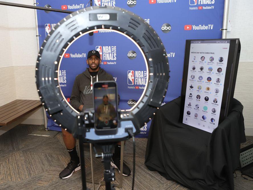 NBAファイナルはミルウォーキーに舞台を移して明日が第3戦、サンズのクリス・ポールは「観客を黙らせるのも悪くない」