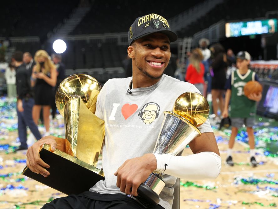 NBA優勝を果たしたヤニス・アデトクンボ、ミルウォーキーとの絆「どれだけ困難であっても、僕はここで勝ちたかった」