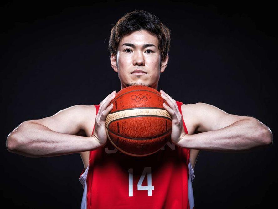 日本代表の金丸晃輔、八村塁と渡邊雄太に依存しないバスケを作るキーマン「迷いなく打ち、4割か5割は決めたい」