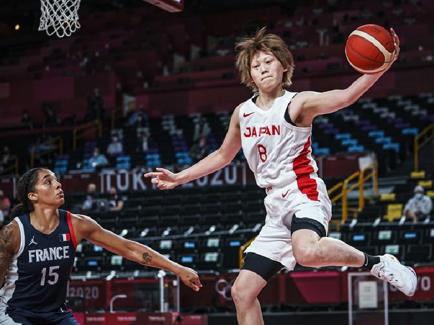フランスとの接戦を制し金メダル獲得に前進した女子バスケ日本代表、大黒柱の髙田真希「チームで戦えているのが良いところ」