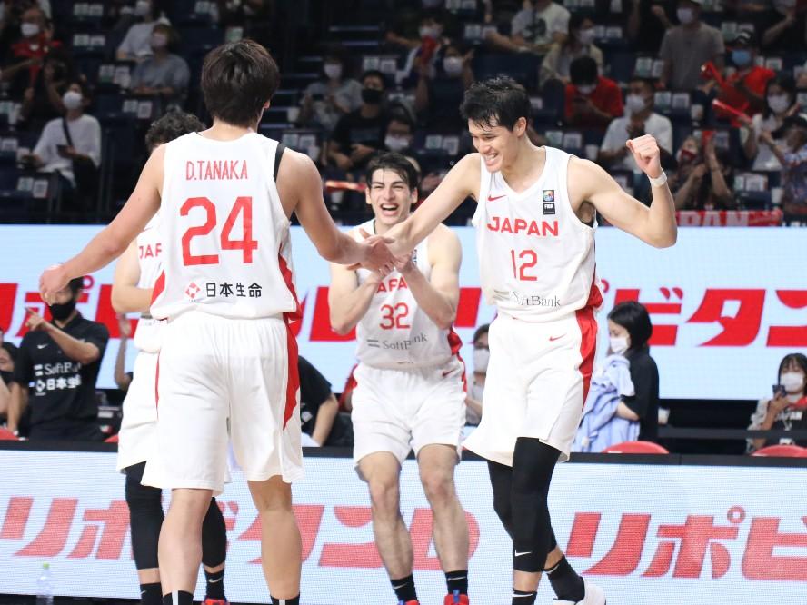 沖縄での国際強化試合でビハインドからのカムバックを見せたバスケ日本代表、渡邊雄太は「成長できている証」と手応え
