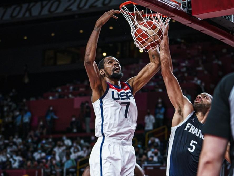 ケビン・デュラントがゲームハイの29得点、フランスの粘りを退けたバスケ男子アメリカ代表がオリンピック4連覇達成