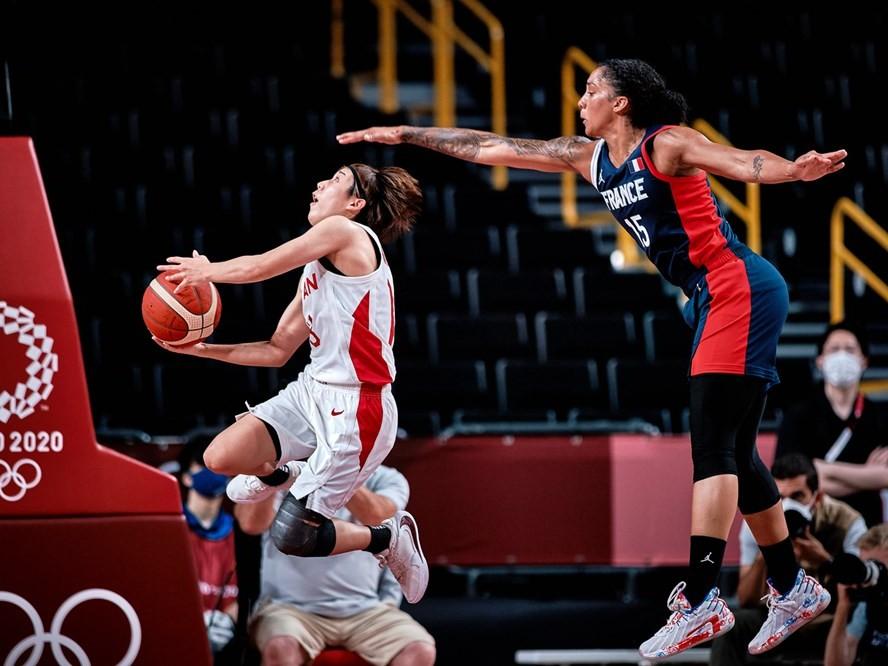 町田瑠唯のゲームメークが冴えたバスケ女子日本代表がフランスを87-71で破り決勝進出、金メダルを懸けてアメリカと対戦へ