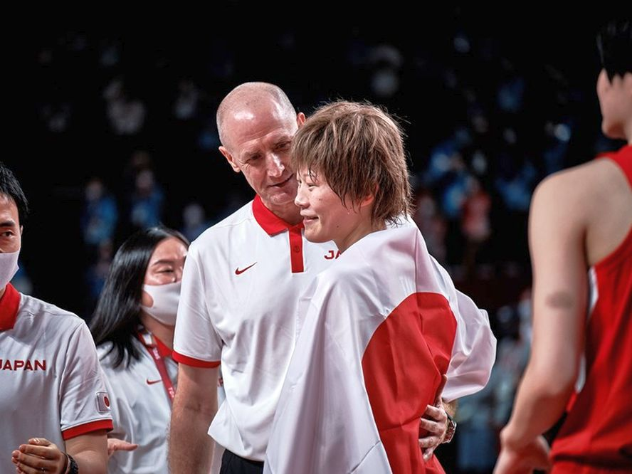 バスケ女子日本代表を歴代最高地点の『世界2位』へ導いたトム・ホーバスの感慨「これは終わりではなく、始まりです」